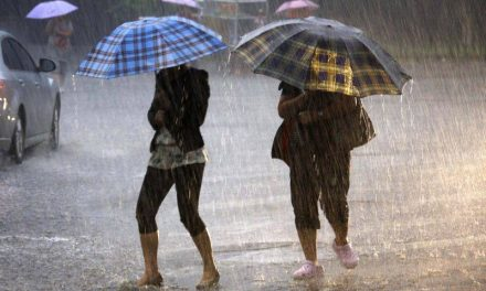 Atenționare meteo de ploi pentru întreaga țară, până duminică noapte. La Constanța, temperaturi de 34 grade