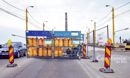 Reabilitarea Podului de la Butelii întârzie pentru că Făgădău încă nu s-a decis unde vor fi puse buteliile