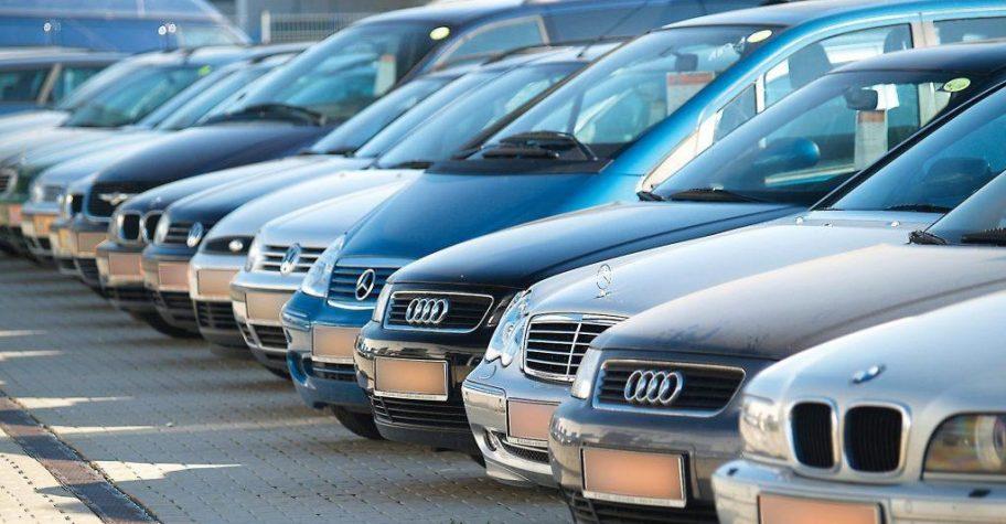 Aviz amatorilor! Un român riscă 3 ani de închisoare după ce a vândut o mașină cu kilometrajul dat înapoi