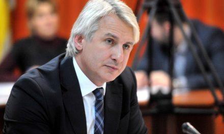 După ce a crescut salariile la bugetari de câteva ori, ministrul Teodorovici vrea acum să scoată salariul minim din sistemul privat