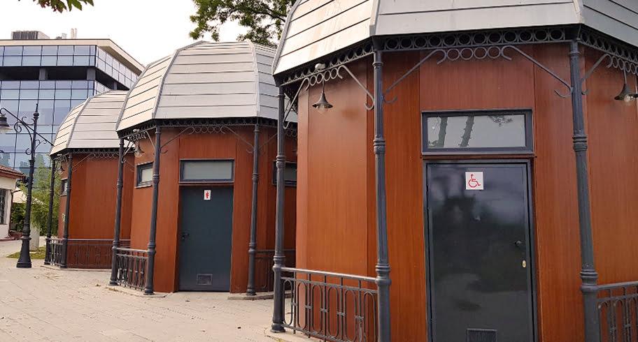 Primăria Constanța a cheltuit 170.000 de euro din banii constănțenilor, pentru trei WC-uri publice