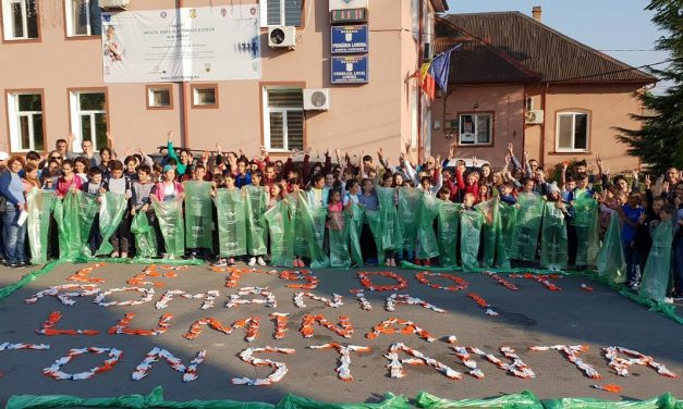 """VIDEO. Peste 100 de voluntari din comuna Lumina au participat la campania """"Let's Do It, Romania!"""""""