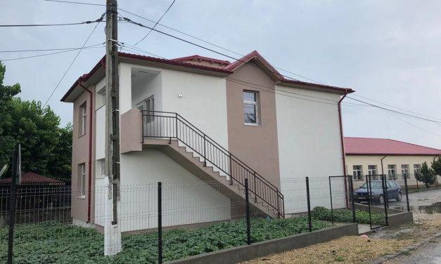 Sediu modern pentru bibliotecă și secretariat pentru liceu, în comuna Nicolae Bălcescu