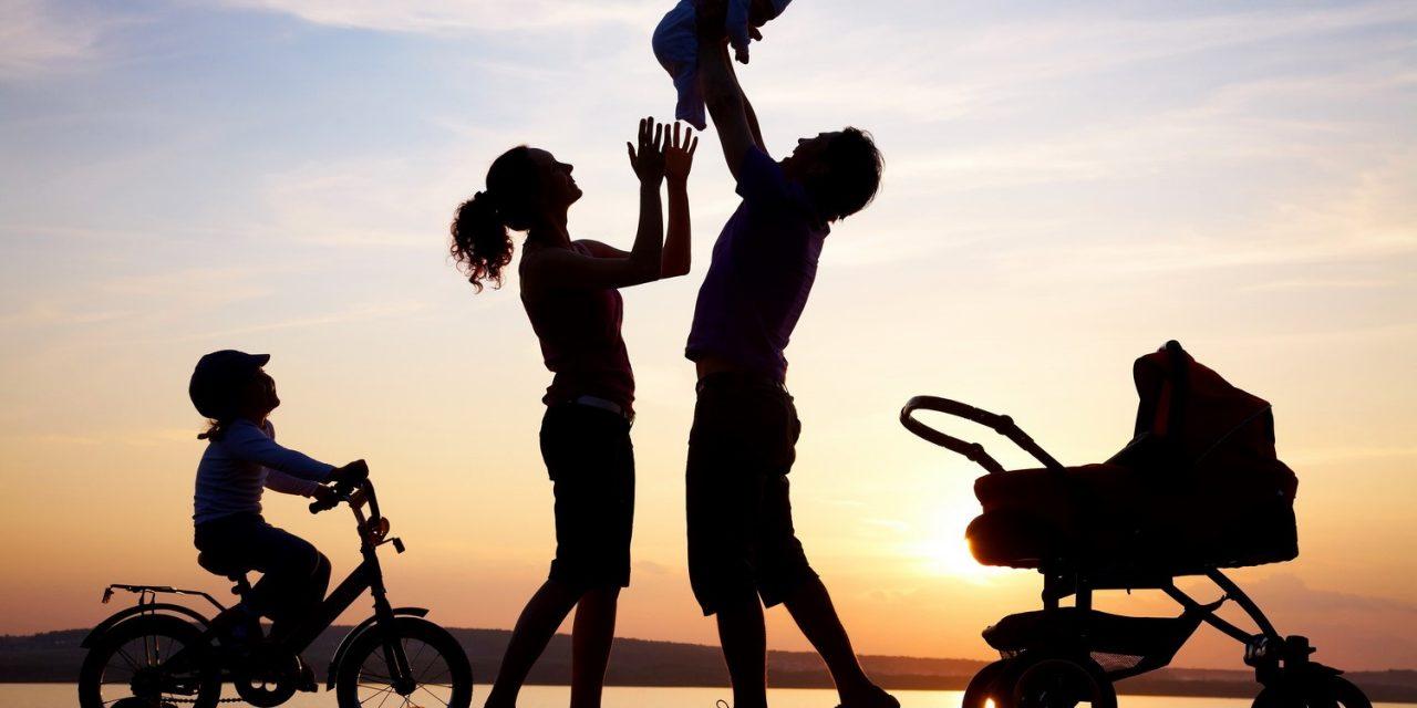 Referendum pentru redefinirea familie. Românii, așteptați la urne pe 7 octombrie