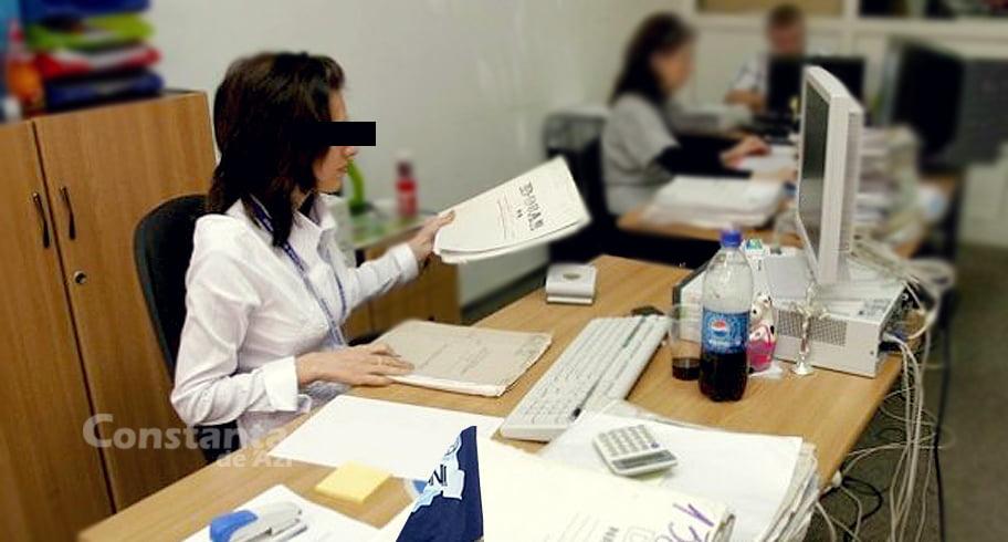 Funcționară din Primăria Constanța, prinsă că a lucrat peste program. A fost deschisă o anchetă internă!