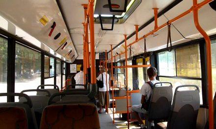 """Ce nemulțumiri a scos la iveală cazul bărbatului dat jos cu copilul său din autobuzul RATC. """"Șoferii au impresia că sunt șefi pe viețile oamenilor!"""""""