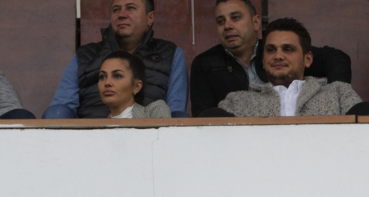 """VIDEO / Fiul lui Dragnea, huiduit la un meci de fotbal: """"Barosane, vezi că ești patron de fotbal pe banii furați de taică-tu"""""""