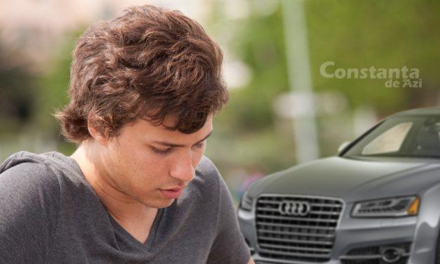 Sărăcia clasei! De rușine că de majorat a primit cadou un Audi A8, un elev de la Mircea s-a transferat la Traian