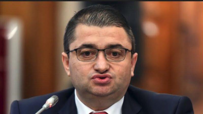 """Un nou scandal în PSD. """"Este cel mai idiot ministru. Este atât de prost încât nu poate asculta mai mult de 5 minute"""""""