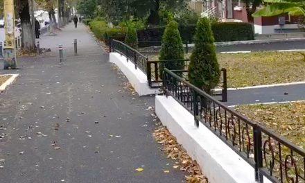 VIDEO. Primăria Constanța a terminat asfaltarea unei porțiuni de trotuare de pe bulevardul Tomis