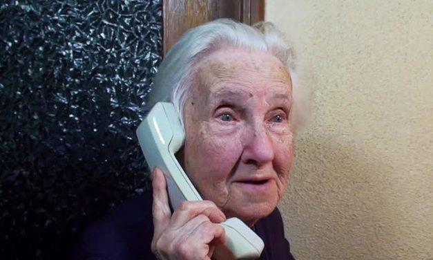 """Bătrână din Constanța, păcălită prin metoda """"Accidentul"""". I-a dat 7.600 de lei unui necunoscut!"""