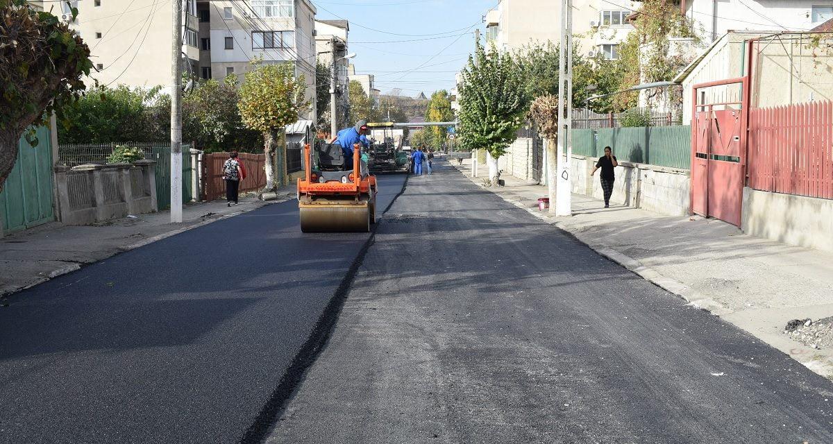 Lucrările de asfaltare în Cernavodă continuă cu str. Mihai Eminescu