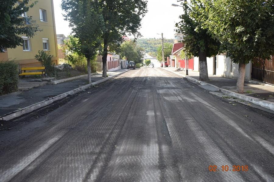 Lucrări de asfaltare la Cernavodă. 15 străzi vor intra în lucrări