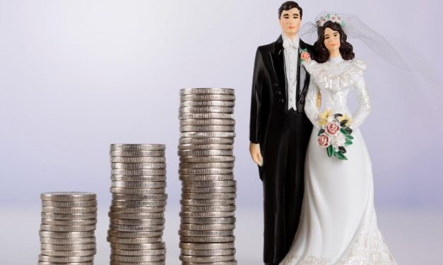 ANAF impozitează nunțile. Ginerică trebuie să declare câți bani a strâns din dar, cine i-a cântat la nuntă și ce cheltuieli a avut
