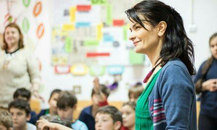 """Chinul copiilor de oraș: blocați între școală, after-school și meditații. """"Părinții care își lasă copiii să-și trăiască vârsta sunt eroi"""""""