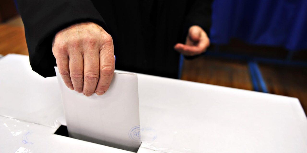 Doar 5,72% prezența la vot, după prima zi. PSD și Biserica își păstrează muniția pentru duminică. Va fi agitație mare în cimitire…