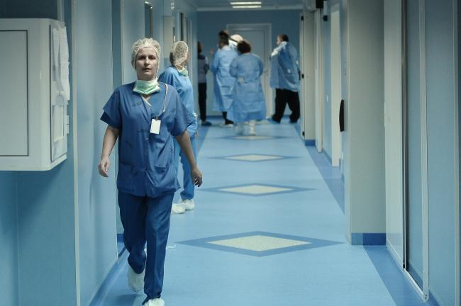 Sute de locuri de asistent medical scoase la concurs în săptămâna 19-26 noiembrie. Lista locurilor disponibile și condițiile de angajare