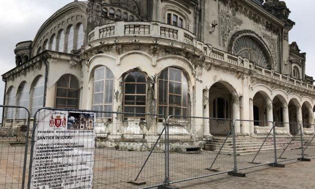 Domnule Făgădău, iar ai ratat! Lucrările la Cazino nu au fost gata de Ziua Dobrogei. Muncitorii încă lucrează…
