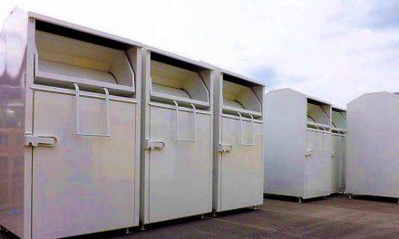 Au fost montate containerele pentru colectarea de haine din cadrul campaniei umanitare