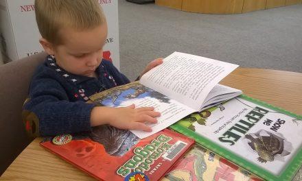 Îți înveți copilul să scrie și să citească de la 3-4 ani? Poți produce daune pe termen lung în dezvoltarea lui