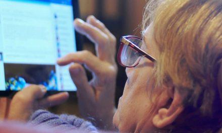 Româncă, păcălită pe Facebook să-i dea 11.400 de euro unui cetățean american