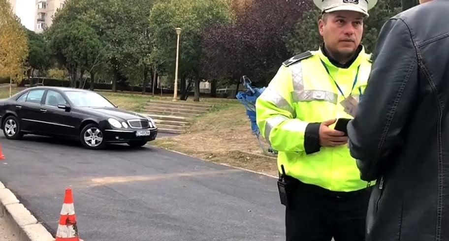Șoferii care și-au parcat mașinile pe trotuarele Constanței, amendați de Poliția Locală