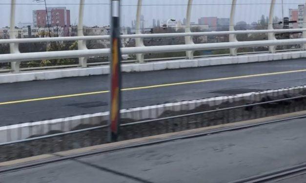 Podul de la Butelii, peticit chiar pe partea reabilitată deși nu a fost încă deschisă circulației. VIDEO/FOTO