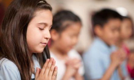 """Rugăciunea """"Tatăl Nostru"""" va suferi modificări. Vaticanul vrea să schimbe finalul"""