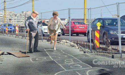 Arată că eşti cel mai bun! Primăria Constanţa organizează un campionat de Şotron pe podul de la butelii