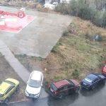 Pacientul adus cu elicopterul SMURD, blocat printre mașini parcate neregulamentar, a murit câteva ore mai târziu