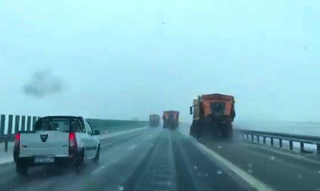 INFOTRAFIC. Tamponări în lanț pe A2. Circulația pe autostradă, deviată din cauza condițiilor meteo