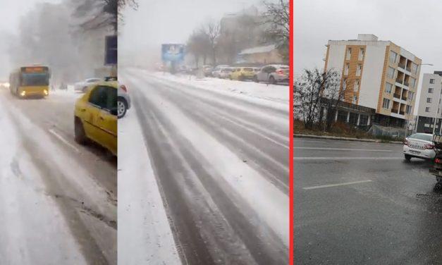 VIDEO. Primăria se laudă cu deszăpezire exemplară, însă constănțenii fac slalom pe zăpadă și polei