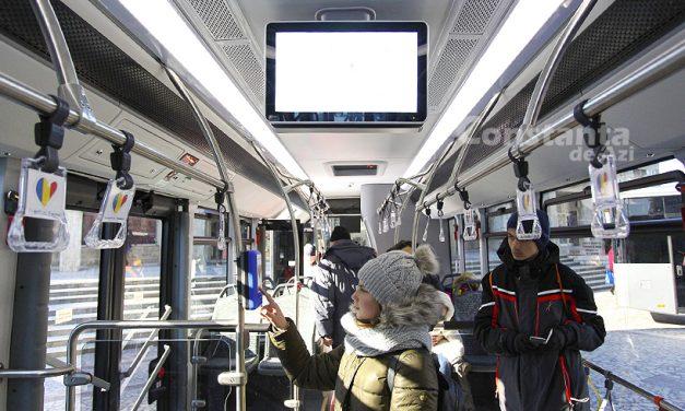 VIDEO. Miros de fum cauzat de motor într-un autobuz nou al RATC. Călătorii au fost evacuați