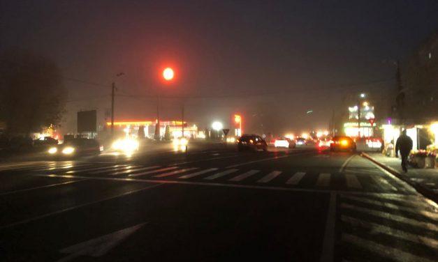 Avem luminițe colorate în Centru, iar cartierele Constanței stau în beznă