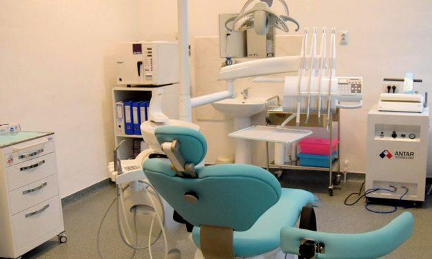 Cabinetele stomatologice din școli au fost renovate de Primărie
