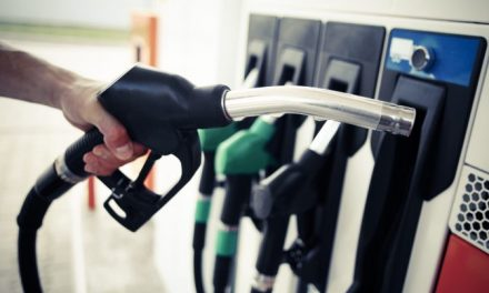 Atenție șoferi de unde alimentați! Un lanț de benzinării a băgat la pompă carburant la 14 lei litru