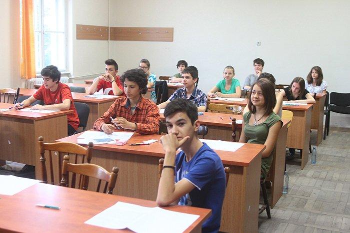 Este firească atâta putere pentru elevi? Elevii cer Guvernului să nu modifice Legea Educației și statutul cadrelor didactice fără acordul lor