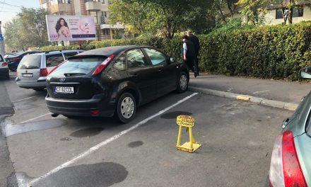 """Locurile de parcare se scumpesc de la anul. Consilierul """"independent"""" Popescu a făcut propunerea, PSD a votat bucuros"""