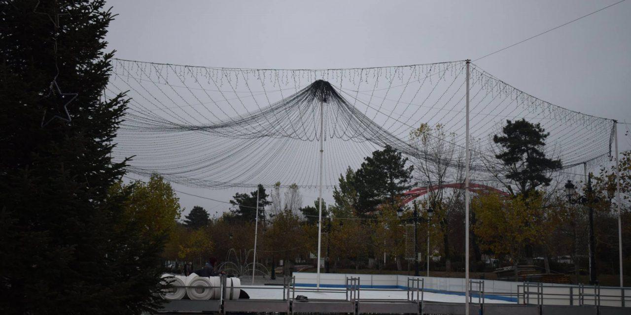Cernavodenii vor avea un patinoar de 600 mp, amenajat în fața Primăriei