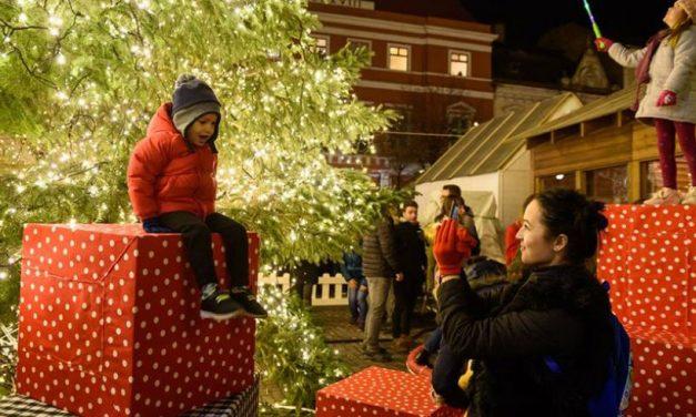 Târgul de Crăciun, nominalizat printre 20 cele mai frumoase din Europa. Este vorba despre cel de la Cluj