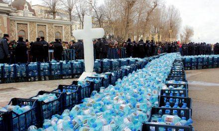 200.000 de sticle cu agheasmă, pregătite de Arhiepiscopia Tomisului pentru Bobotează