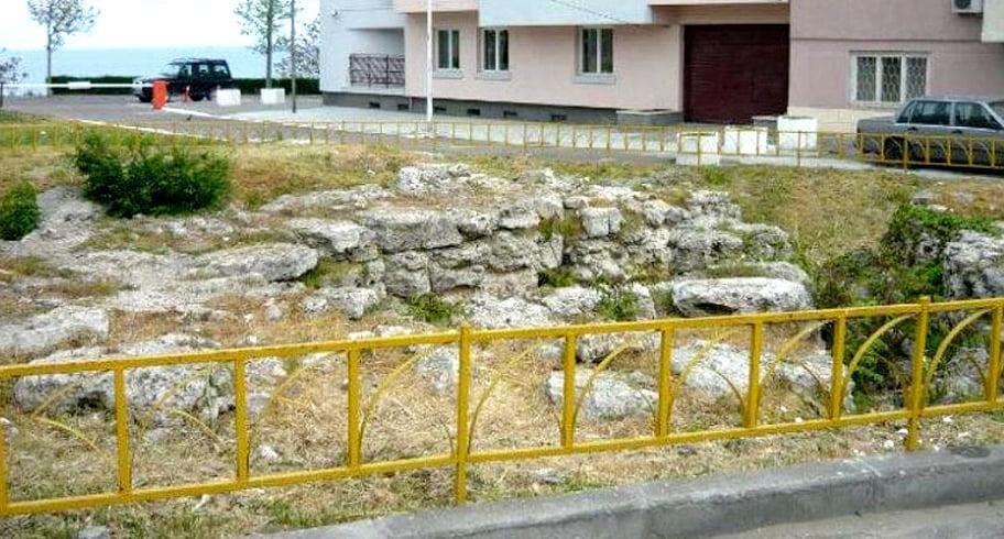 Sondaj online lansat de Primărie cu privire la construirea unui bloc de locuințe lângă ruinele Cetății Tomis