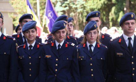 Vrei să urmezi o carieră în Armată? Până la 1 martie se fac recrutări pentru învățământul militar. Iată condițiile