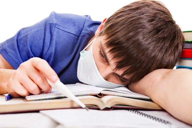 Măsuri drastice împotriva gripei în școli. România este în pragul epidemiei: 8 decese în ultimele 24 de ore