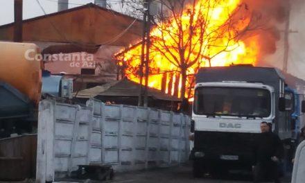 Incediu lângă stația de asfalt a Confort Urban. O fabrică de mobilă, cuprinsă de flăcări
