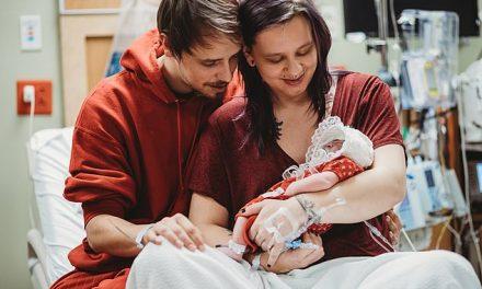"""""""Mamele își puteau duce bebelușii acasă, dar eu nu"""". Tânăra care a dus sarcina până la capăt pentru a putea dona organele copilului"""