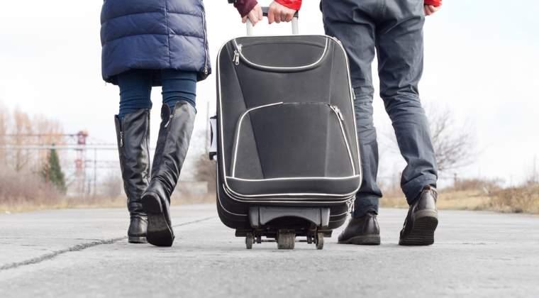 """500.000 de tineri au plecat din ţară în ultimii zece ani. """"Exodul tinerilor este alimentat de guvernarea PSD-ALDE"""""""