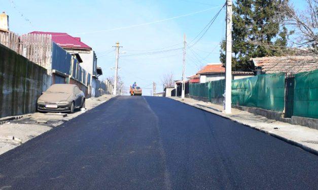 Primăria din Cernavodă continuă lucrările de asflatare