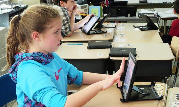 Elevii vor primi tablete, pentru a le ușura ghiozdanele. Anunț făcut de Ministrul Educației
