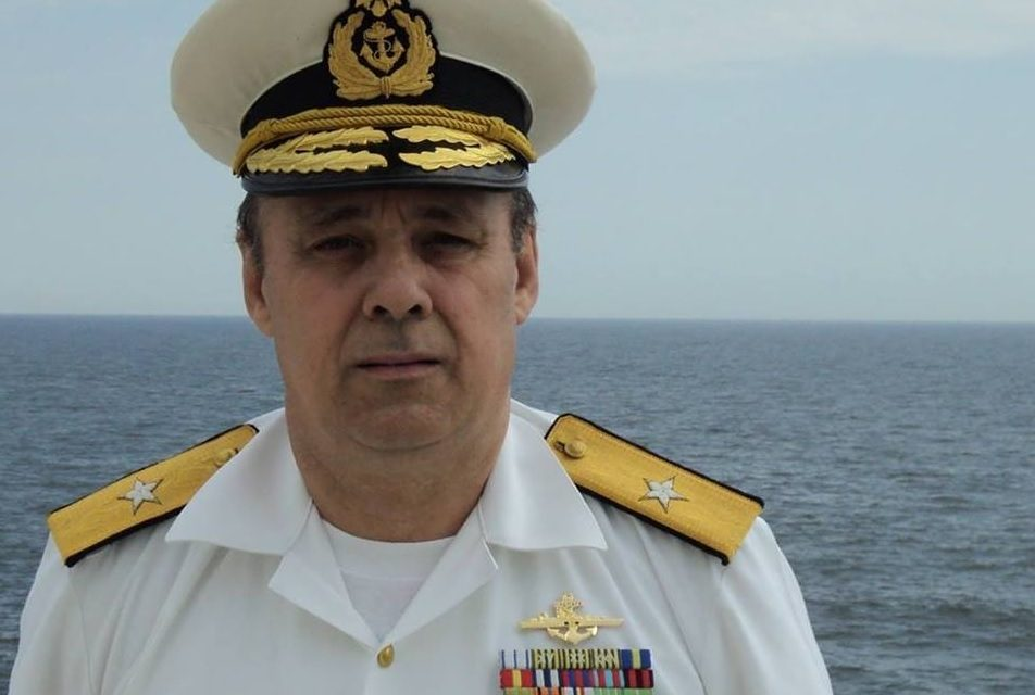 """Amiralul care își atacă militarii: soldații și gradații profesioniști sunt """"paraziți"""" și """"lefegii"""". Vreți o armată doar din generali și colonei?"""